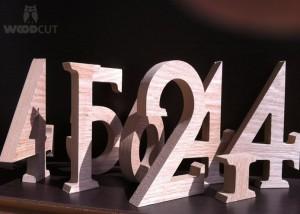חיתוך מספרים מעץ